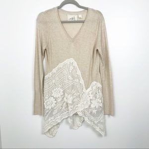 Angel of the north lace tunic top